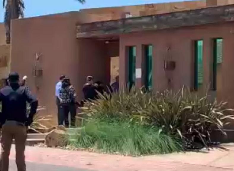 Catean casa de Francisco Vega, exgobernador de Baja California