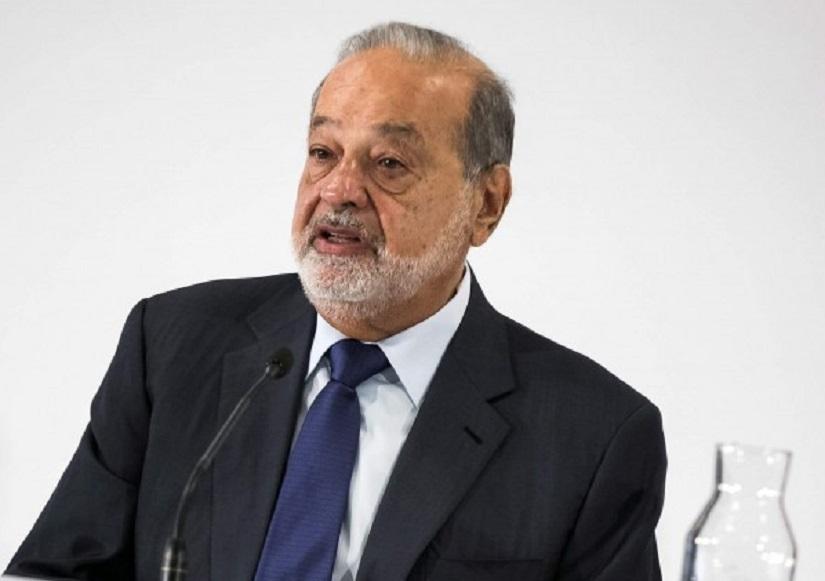 Carlos Slim sale de hospital tras contagio de Covid-19